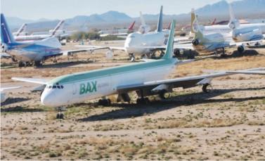רשות הטבע והגנים דורשת: להסתיר את חניון המטוסים בבקעת עובדה