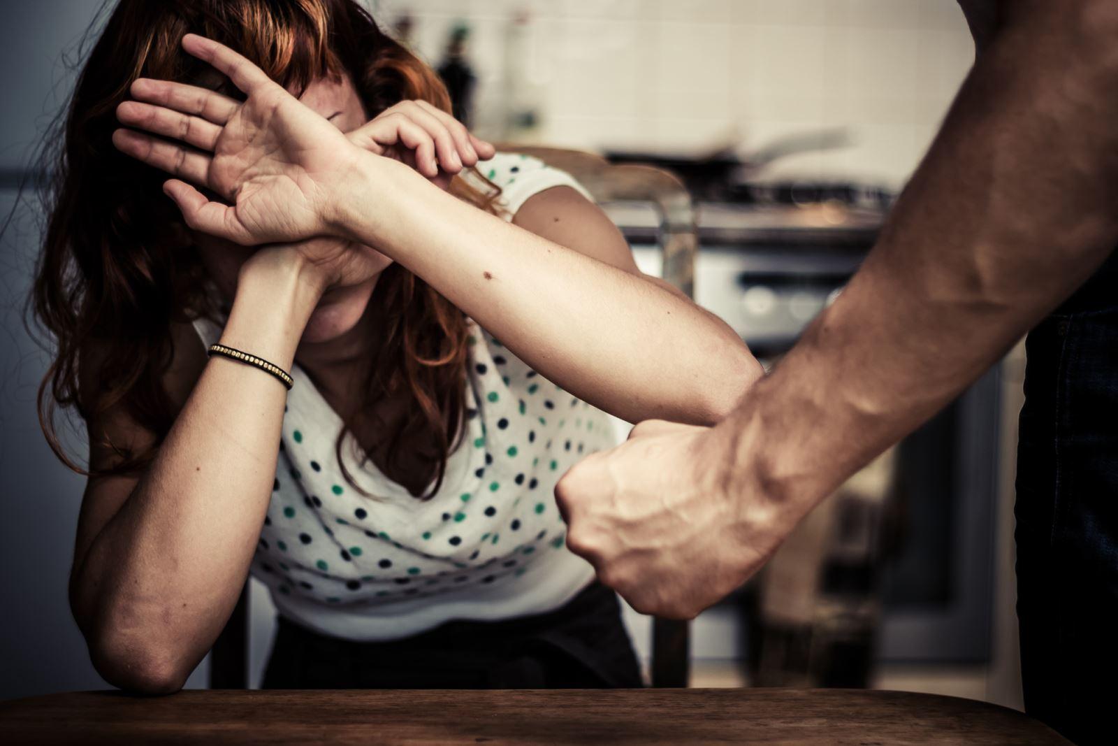 הבעל השתוי תקף את נהג  המונית בה ניסתה אשתו לברוח
