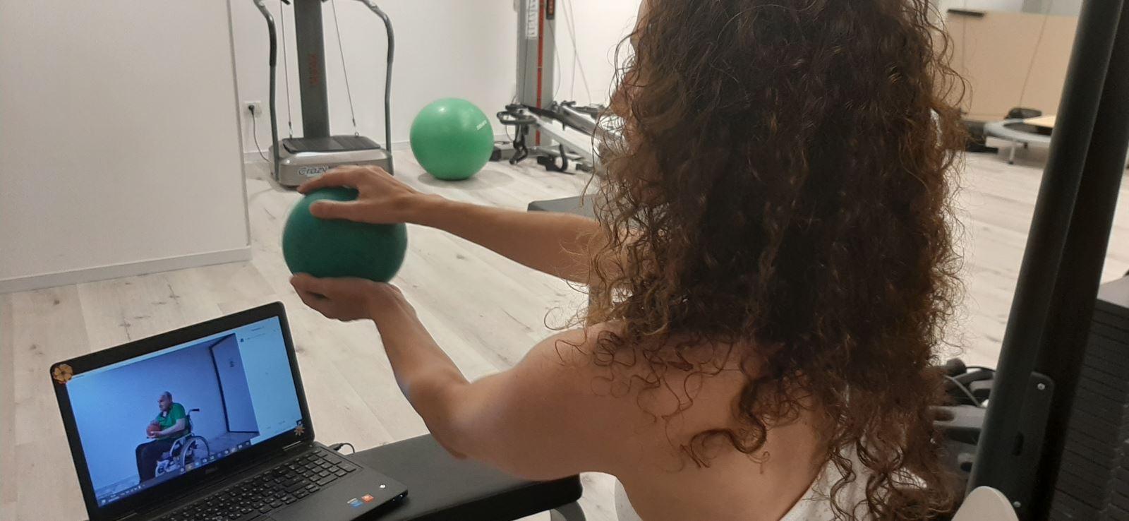 בית איזי שפירא מציע טיפולים שיקומיים מקוונים  למי שבימי הקורונה לא יכול להגיע ולהשיג טיפול מקצועי