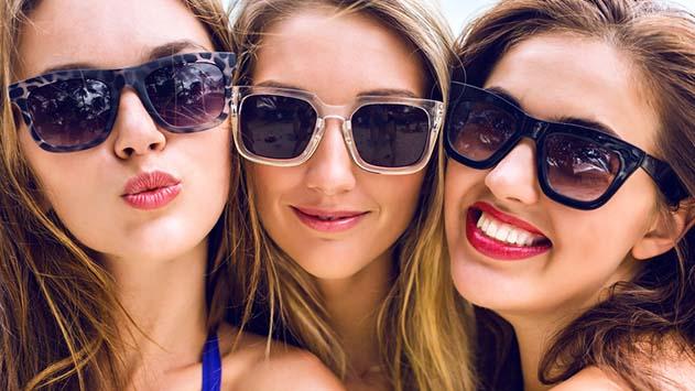 אור על העור: המלצות טבעיות לשמירה על עור הפנים