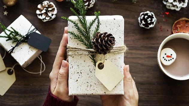 מתנות לחג – האם להשקיע באריזה או במתנה עצמה?