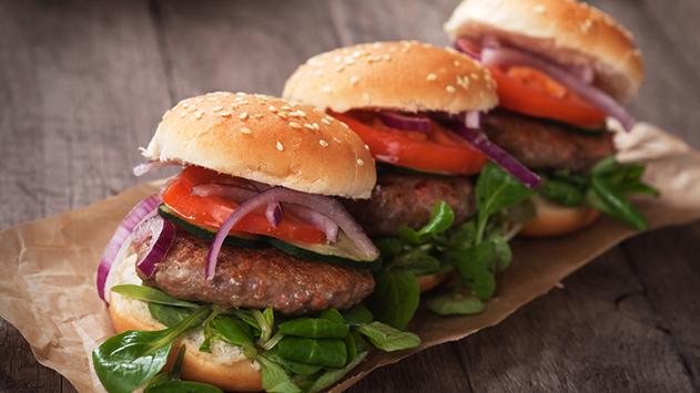 איך לשמור על המשקל ועדיין לאכול המבורגר מדי פעם