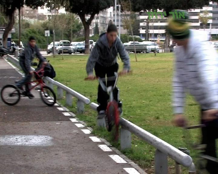 לקראת יום כיפור: מעל אלף ילדים ובני נוער נפגעו ברכיבה על אופניים בעשור האחרון בערים