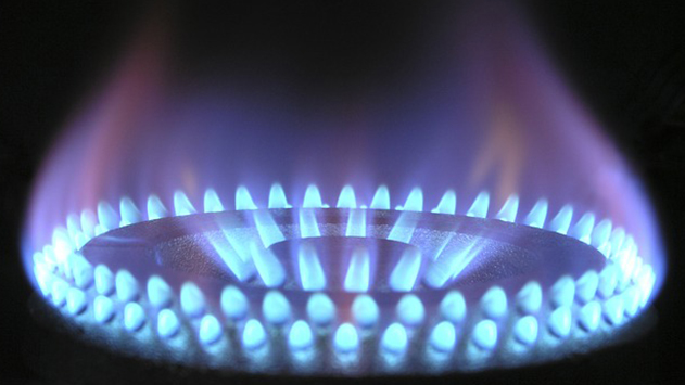 גם באילת: מתקינים קמין גז לחורף חם