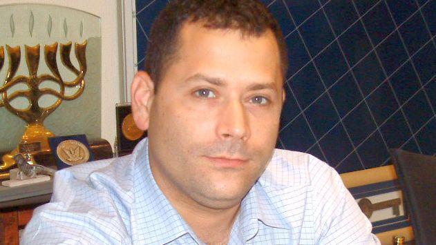 יועץ התקשורת ליאור חורביילחם ב'ארקיע' ובעיריית אילת