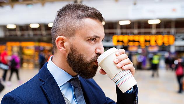 האם בוטל מכרז בית הקפה בשדה רמון?