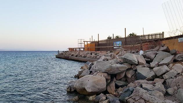 בית המשאבות ליד חוף החשמל מתפנה