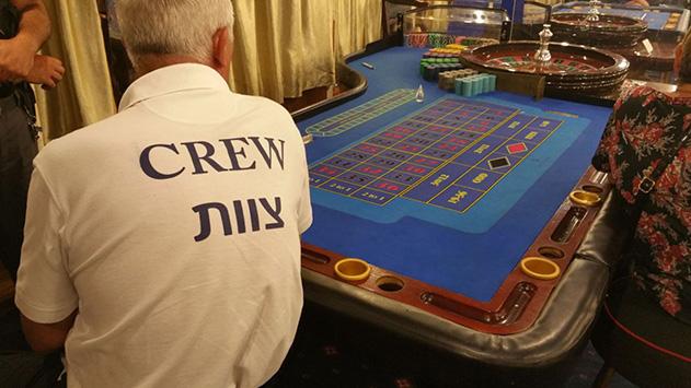 בעל הספינה שנעצר השבוע בחשד לארגון הימורים במפרץ הורשע ונכלא בעבר באותו עניין