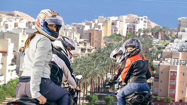 זהירות: תחרויות אופנועים בשעות הקטנות של הלילה