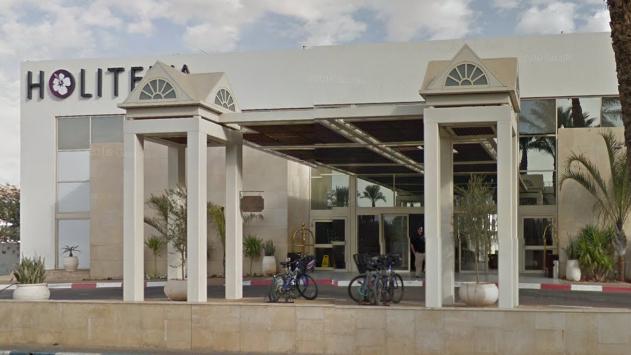 תביעה: משפחת דיין דורשת  מהשוכרים של מלון לה פלאיה לפנותו
