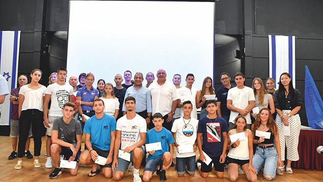 משפחת אברהמי העניקה מלגות ל-22 ספורטאים מצטיינים מאילת