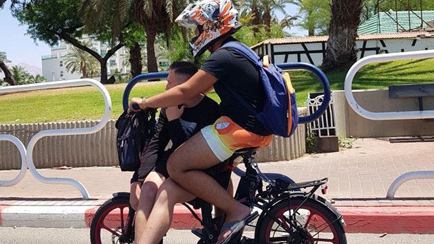 אכיפה מוגברת באילת לרוכבי אופניים חשמליים