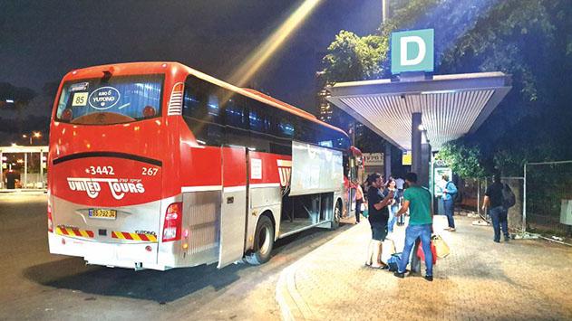 מדוע חוזר האוטובוס האדום לנתב''ג כשהוא ריק?