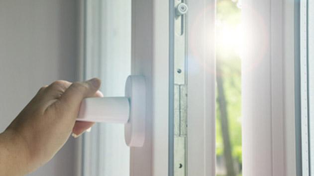 למה כדאי לרכוש דלתות זכוכית למשרד?