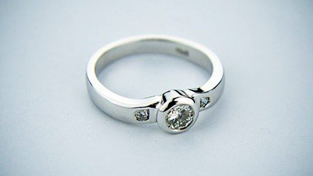איך לבחור טבעת אירוסין