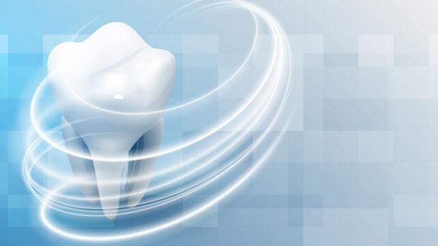להחזיר את החיוך לפנים: 3 דברים שחשוב לדעת על השתלות שיניים!